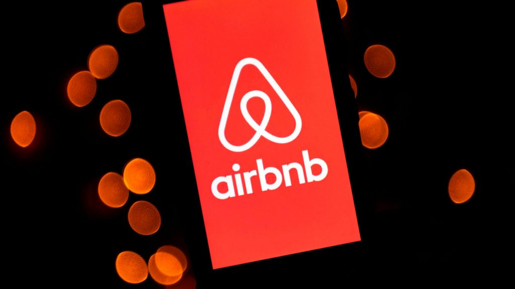 Airbnb is offering free stays to frontline workers making it a great example of a brand helping in the fight against COVID-19